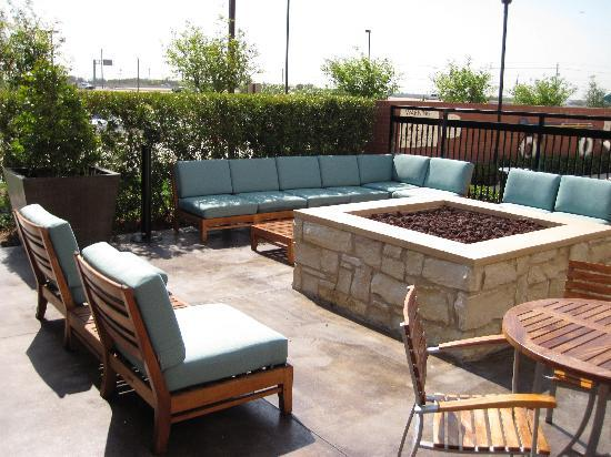 Residence Inn Dallas Plano/The Colony: great place to chill at night