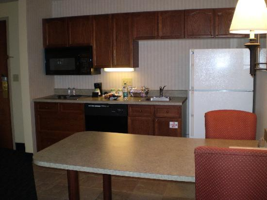 Hampton Inn and Suites Valley Forge/Oaks: Spotless kitchenette