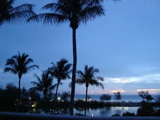 BEST WESTERN Phuket Ocean Resort: View from our room at Sunset