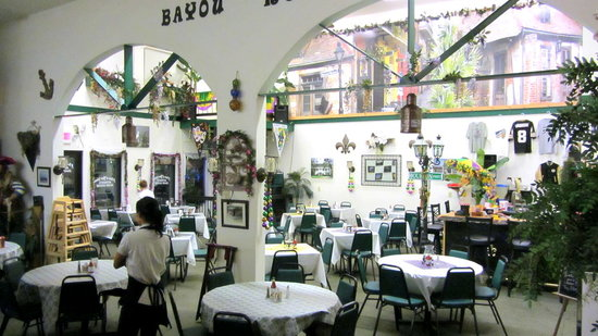 Taste Of New Orleans : Another interior view..funky table and chairs