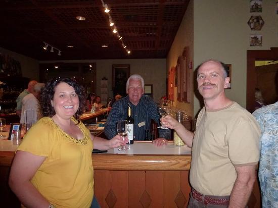 Chateau Ste. Michelle Vineyards: Rudy was a great tour guide!