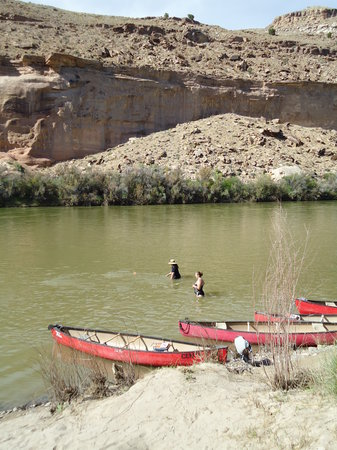 Centennial Canoe Outfitters: cooling off in the river