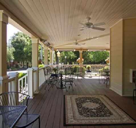 Embrace Calistoga: Grand Porch