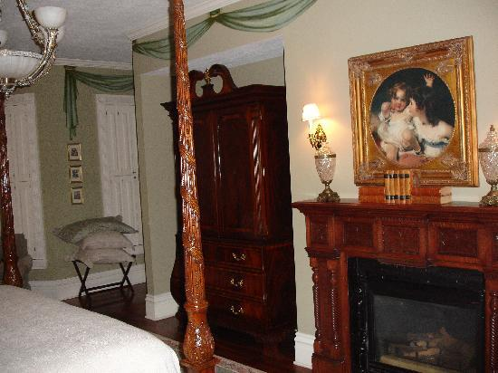 The Inn on Negley: The Cortland suite (2)