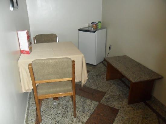Mengo Palace Hotel: salinha