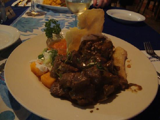 The Waterfront Bar and Grill: Lovely tender beef curry