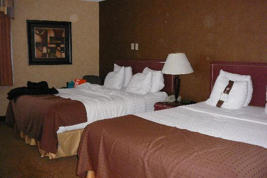 Holiday Inn Calgary Airport: Comfy Beds