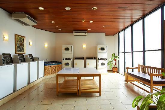 Chatrium Residence Sathon Bangkok: Laundrette