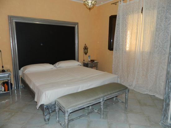 Chiusurelle Residence: camera matrimoniale