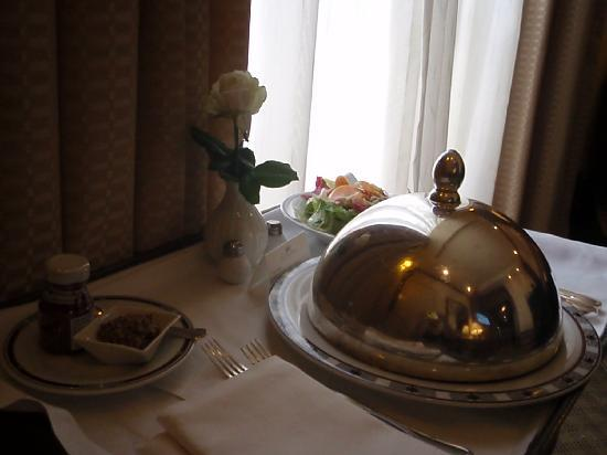 The King David: room service