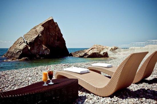 Crimea Breeze Residence: Beach