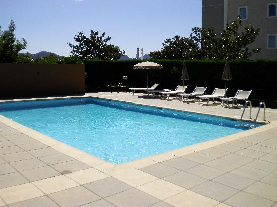 Kyriad Cannes Ouest - Mandelieu: THE POOL