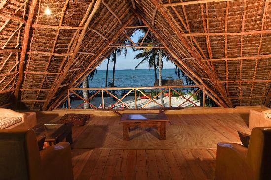 Raha Lodge Comfort Beach Villa : Terrazza panoramica al 1 piano
