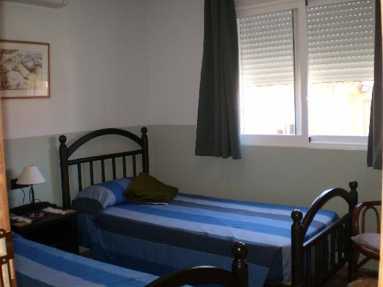 Casa Tauro: (Vicente Ramos room) Twin
