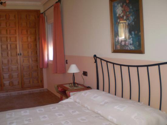 Casa Tauro : (Van Gough room) Triple