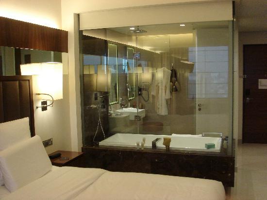 Séparation avec salle de bain - Picture of Sheraton Mall of ...