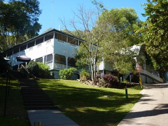 Halse Lodge Guesthouse YHA: outside view