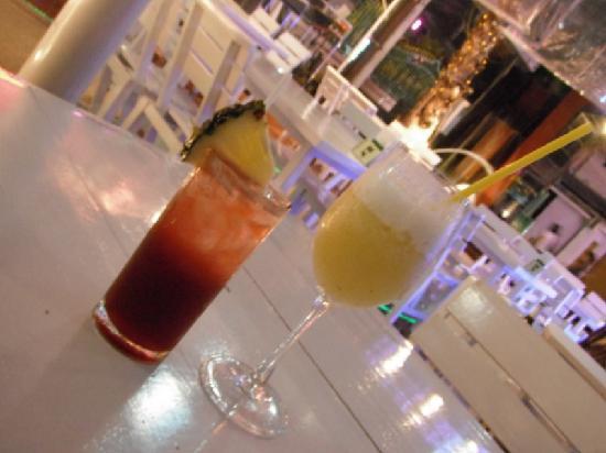 Vabua Asotel: Cocktails