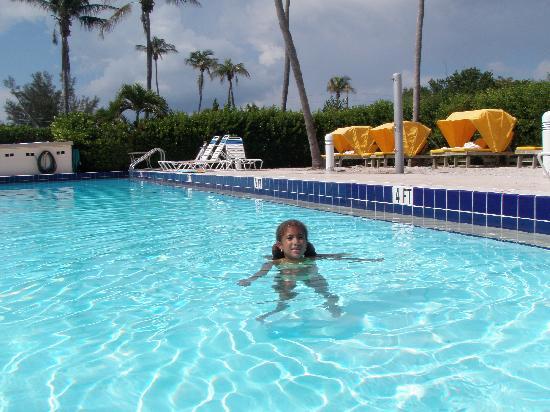 Sunset Beach Inn: Hotel Pool