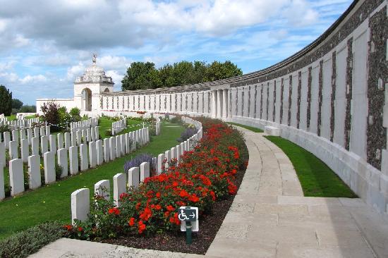 Flanders Battlefield Tours: Tyne Cot Cemetery