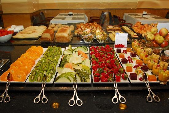 NH Madrid Paseo de la Habana: Fantastic Buffet Breakfast