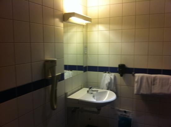 P-Hotels Oslo: lavabo