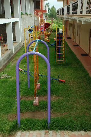 Fairstay Holiday Resort: child play area