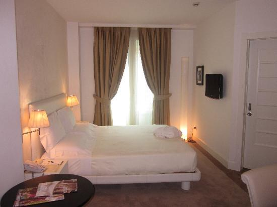 UNA Maison Milano: bedroom