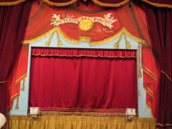 Teatro dei Pupi : Le théâtre