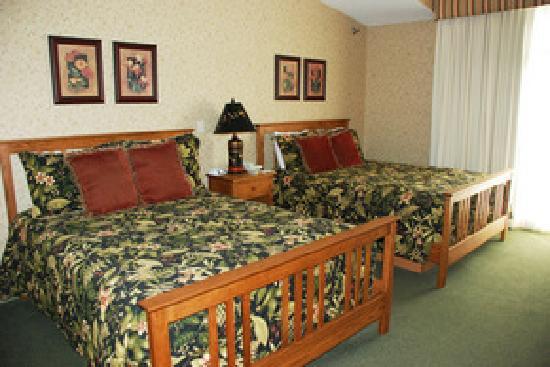 Essenhaus Inn & Conference Center: beds