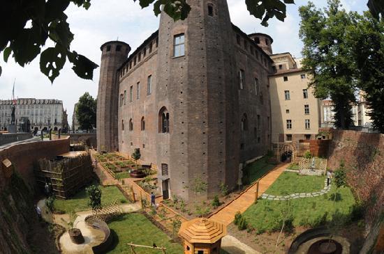 Civic Museum of Ancient Art (Palazzo Madama) : Il giardino del castello - Medieval garden