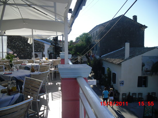 Smileys Rooftop Restaurant: View to the left from rooftop