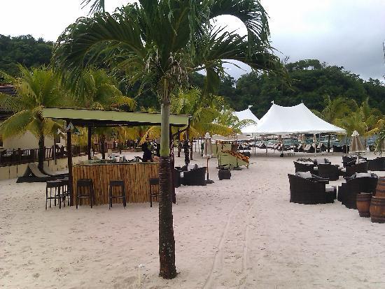 Buccament Bay Resort: White sandy beach!!