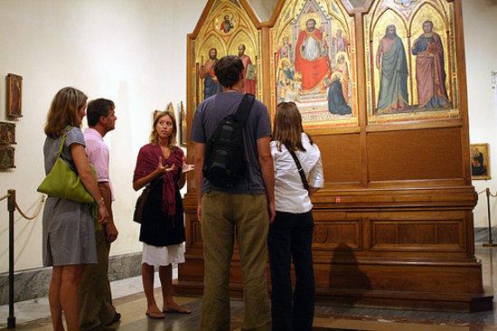 Context Rome Tours : Context docent leading our Arte Vaticana walking seminar