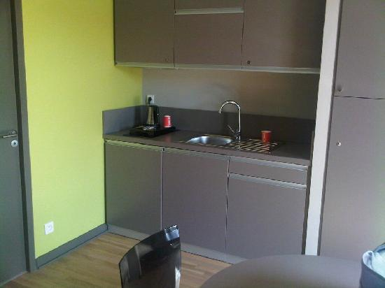 Dock Ouest : Kitchenette aout 2011