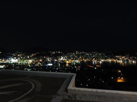 Luke Plaza Hotel : 和室からの夜景です