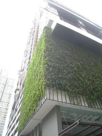 Hansar Bangkok Hotel: Hotel building