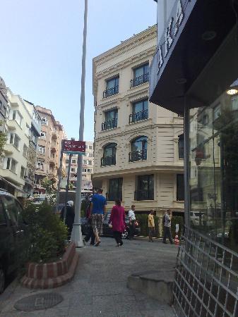 Hotel Momento: exterior