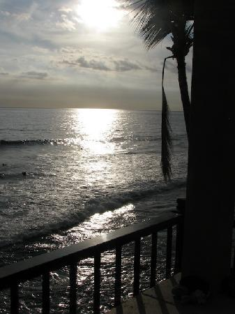 Kona Banyan Tree: I took this myself, from our lanai. The ocean view was gorgeous.