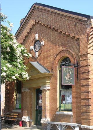 Kelly's Gingernut Pub : Great Local Pub