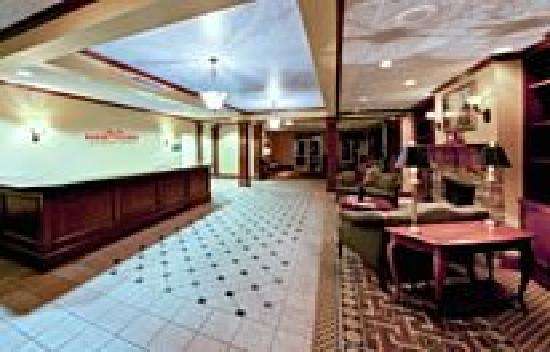 Hawthorn Suites by Wyndham Conyers: Hotel Lobby