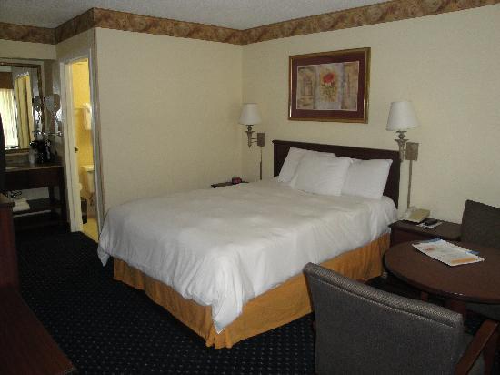 Baymont Inn & Suites Tallahassee : schönes Zimmer