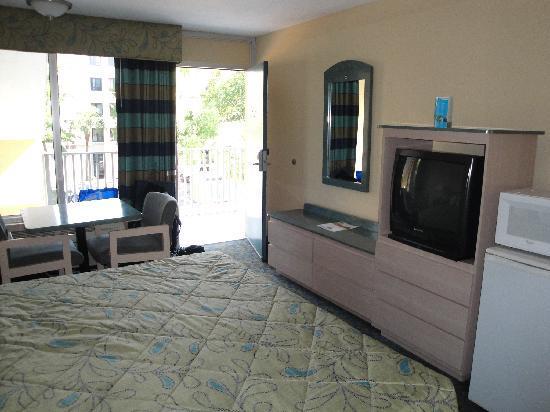 Days Inn Fort Lauderdale Airport Cruise Port: schönes helles Zimmer