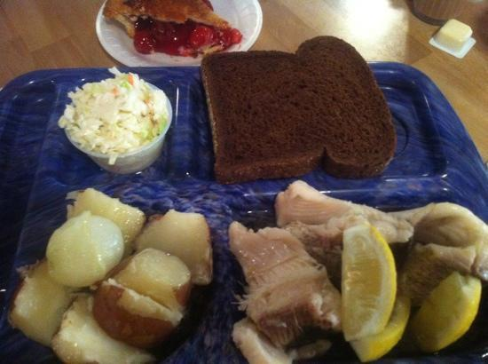 Shipwrecked Restaurant, Brewery & Inn: fish boil meal