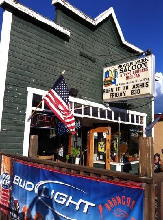 South Park Saloon: Rustic but great pizza!