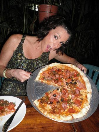 Hotel Cala Luna: Mmm pizza