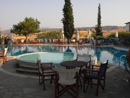 Geranion Village: Piscina