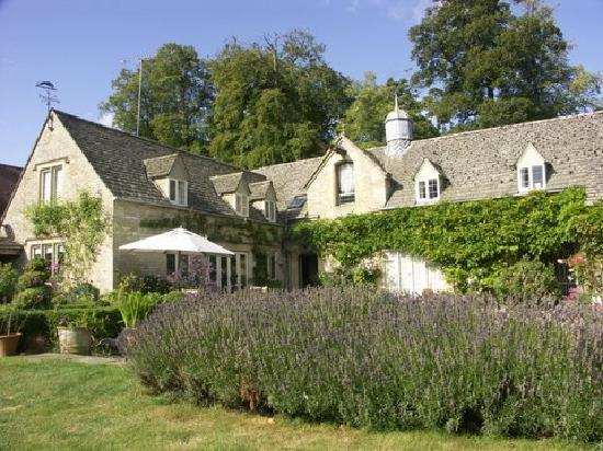 Shipton Grange House: Beautiful and tranquil - this B&B is stunning