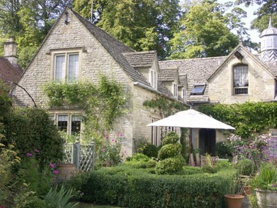 Shipton Grange House is just like nowhere else. Truly this made our holiday