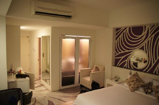 Batik Boutique Hotel: Our room.